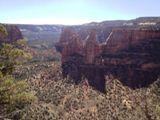 Le long de Canyon Rim Trail